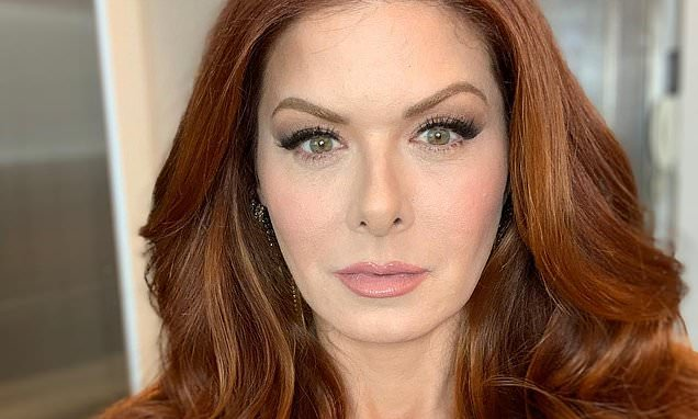Debra Messings Measurements: Bra Size, Height, Weight and