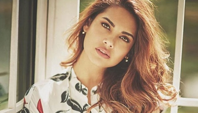 Esha Gupta Measurements Bra Size Height Weight