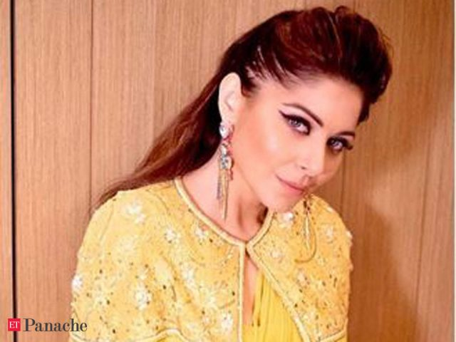 Kanika Kapoor Measurements Bra Size Height Weight