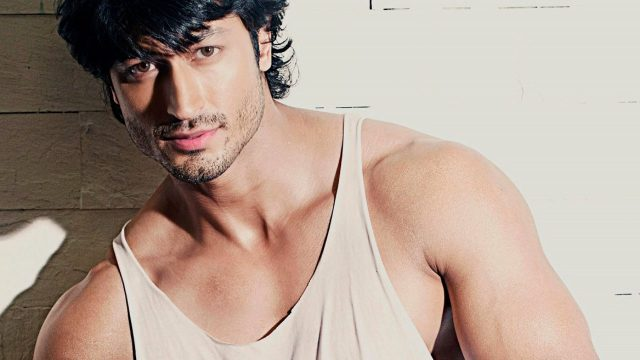 Vidyut Jammwal Measurements Bra Size Height Weight