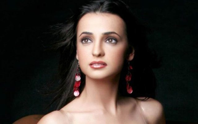 Sanaya Irani Measurements Bra Size Height Weight